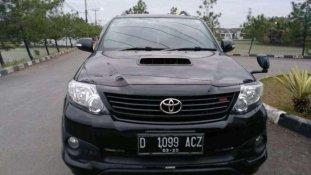 Butuh dana ingin jual Toyota Fortuner G TRD 2014