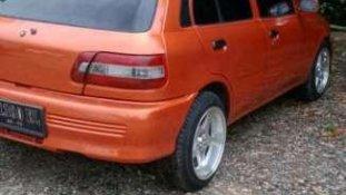 Butuh dana ingin jual Toyota Starlet 1996