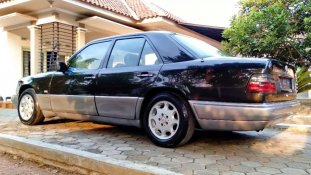 Jual Mercedes-Benz E-Class 1989 kualitas bagus