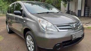 Mobil Nissan Grand Livina SV 2011 terawat di Jawa Barat