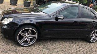 Jual Mercedes-Benz C-Class 2001 kualitas bagus