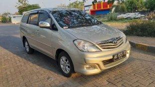 Butuh dana ingin jual Toyota Kijang Innova 2.5 G 2010