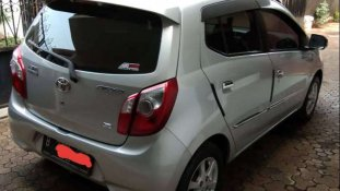 Butuh dana ingin jual Toyota Agya G 2015