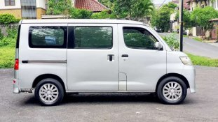 Jual Daihatsu Luxio 2009, harga murah