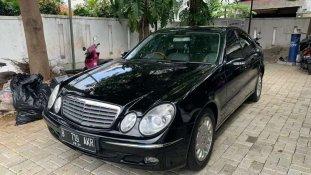 Butuh dana ingin jual Mercedes-Benz E-Class 260 2005