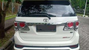 Butuh dana ingin jual Toyota Fortuner TRD 2014