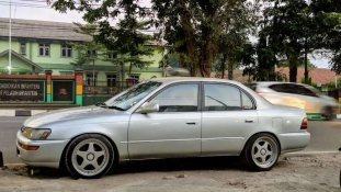 Toyota Corolla 1.6 1992 Sedan dijual