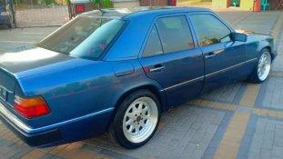 Mercedes-Benz E-Class E 200 1987 Sedan dijual