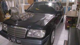 Jual Mercedes-Benz E-Class E 220 kualitas bagus