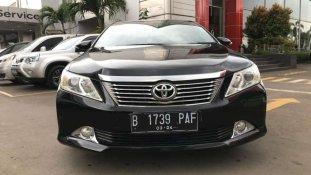 Butuh dana ingin jual Toyota Camry V 2014