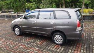 Butuh dana ingin jual Toyota Kijang Innova V 2010