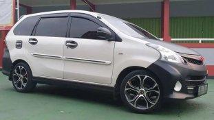 Butuh dana ingin jual Toyota Avanza Veloz 2012