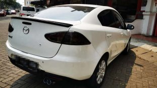 Butuh dana ingin jual Mazda 2 Sedan 2010