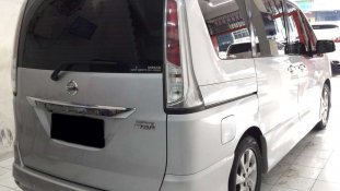 Butuh dana ingin jual Nissan Serena Highway Star 2014