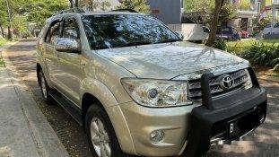 Butuh dana ingin jual Toyota Fortuner G Luxury 2011