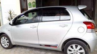 Butuh dana ingin jual Toyota Yaris J 2011