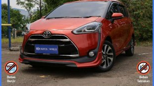 Butuh dana ingin jual Toyota Sienta Q 2018