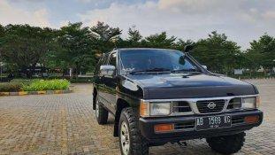 Jual Nissan Terrano 2000 kualitas bagus