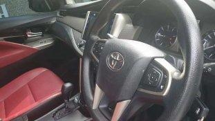 Butuh dana ingin jual Toyota Kijang Innova V 2016