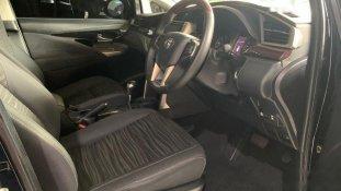 Butuh dana ingin jual Toyota Kijang Innova Q 2016