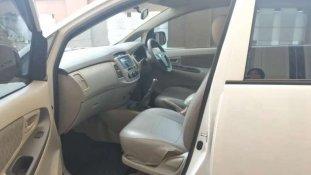 Jual Toyota Kijang Innova E 2013