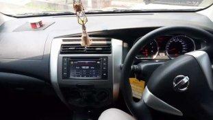 Butuh dana ingin jual Nissan Grand Livina X-Gear 2013