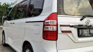 Jual Toyota NAV1 V Limited kualitas bagus