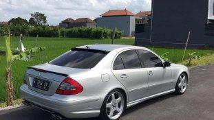 Butuh dana ingin jual Mercedes-Benz E-Class 2006