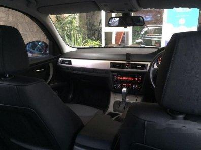 Jual mobil BMW 320i 2008 Jawa Timur Siap Pakai 1058666 on jawa indonesia, jawa tengah, jawa language, jawa barat,