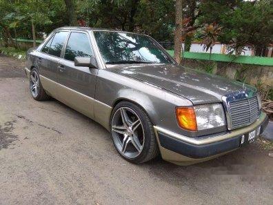 Mercedes-Benz 300E W124 1991 Sedan-1