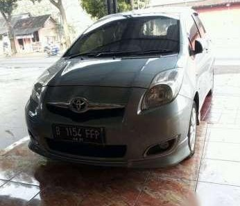 Toyota Yaris S Limited 2010-1