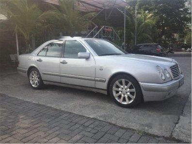 Jual mobil Mercedes-Benz E320 W210 3.2 Automatic 1998 Sedan-1