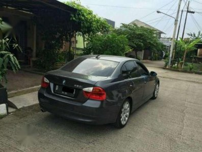 Dijual mobil BMW 320i E90 2.0 Sedan 2008 lsiap pakai-1