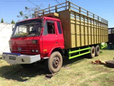 Jual mobil Nissan UD Truck 1997-1