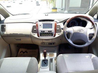 Butuh dana ingin jual Toyota Kijang Innova V 2013-1