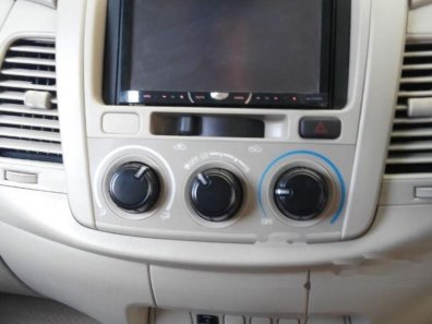 Toyota Kijang Innova E 2013 MPV dijual-1