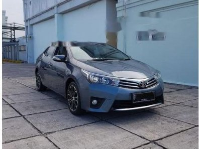 Butuh dana ingin jual Toyota Corolla Altis V 2015-1