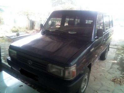 Butuh dana ingin jual Toyota Kijang  1990-1