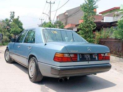 Jual Mercedes-Benz E-Class 1986 kualitas bagus-1