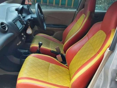 Butuh dana ingin jual Honda Brio Satya E 2015-1