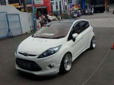 Jual Ford Fiesta 2012 termurah-1