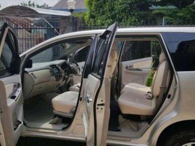Jual Toyota Kijang Innova 2010 termurah-1