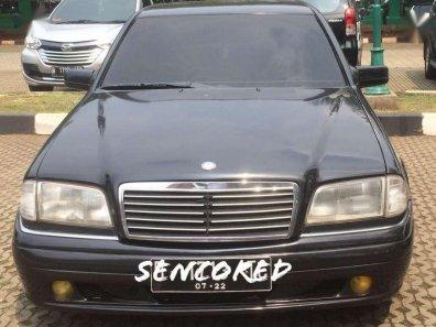 Butuh dana ingin jual Mercedes-Benz C-Class  1996-1
