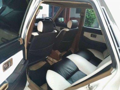 Butuh dana ingin jual Honda Accord  1985-1