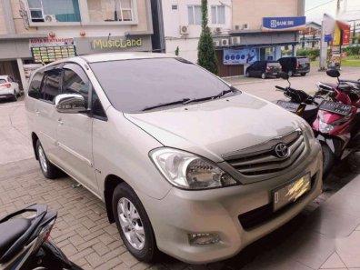 Jual Toyota Kijang Innova 2010, harga murah-1
