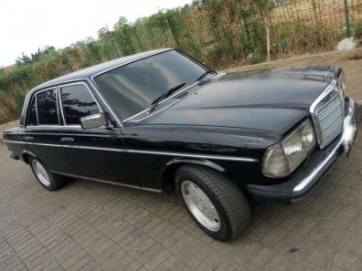 Jual Mercedes-Benz 200 1985 kualitas bagus-1