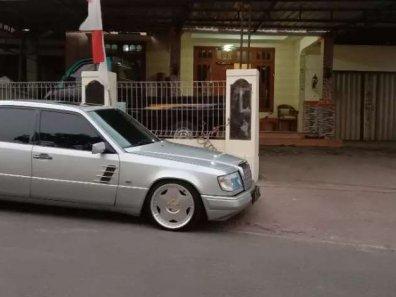Jual Mercedes-Benz SL 1993 termurah-1