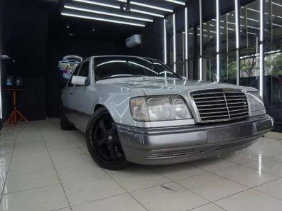 Jual Mercedes-Benz E-Class 1991 termurah-1