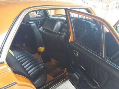 Mercedes-Benz E-Class 1986 Sedan dijual-1
