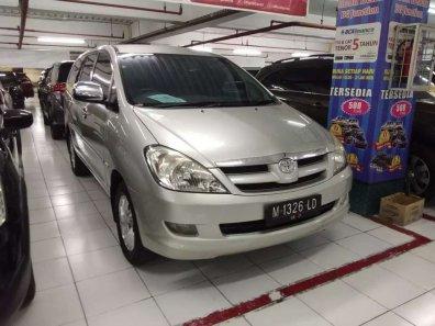 Butuh dana ingin jual Toyota Kijang Innova V 2007-1